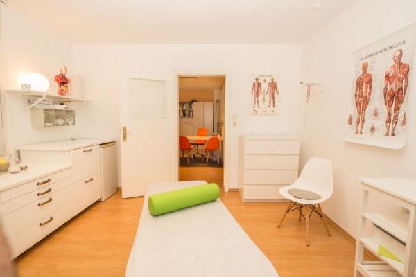 praxis-osteopathie-physiotherapie-augsburg-3938459DB516-640A-37CB-D7B7-F7CB7784D20E.jpg